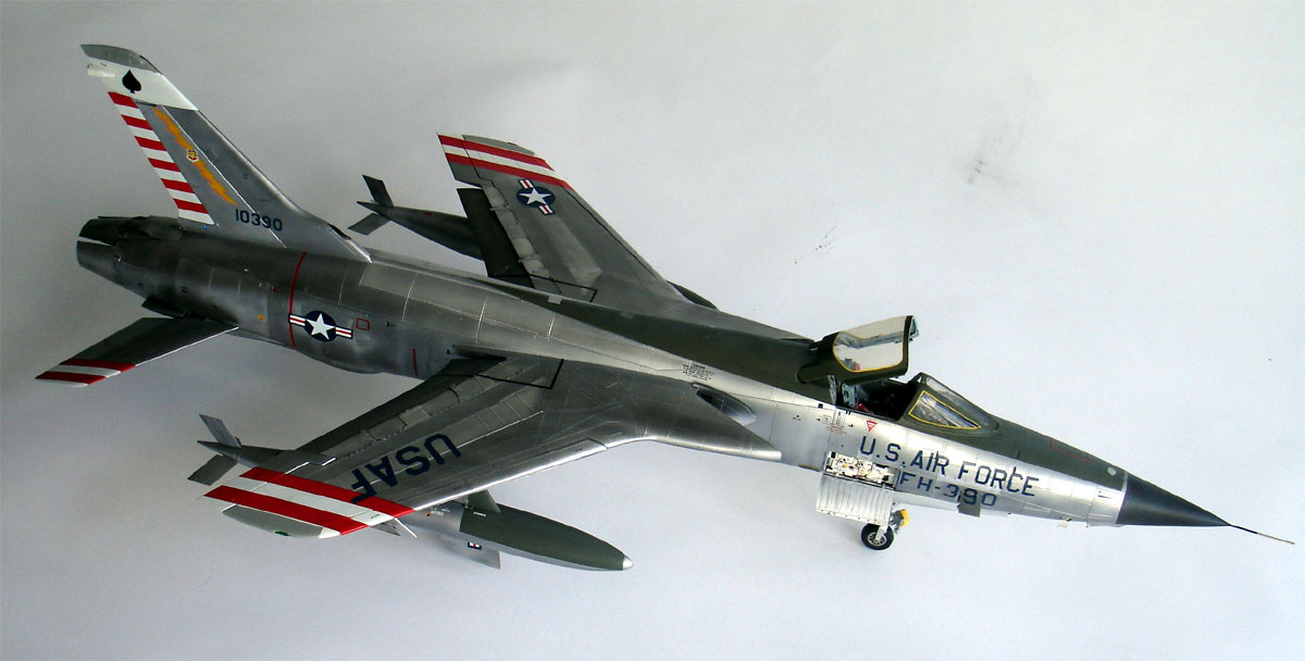 F 105d Thunderchief Model 1 32